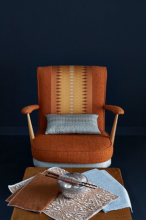 1960 Ercole chair covered with silk bouclé fabric, Riccio and Heritage silk design